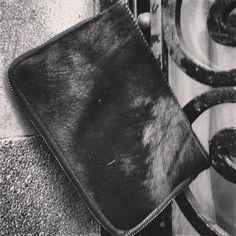 #bolsoparafindeaño #boasapercapdany #bagfornewyear #sacpourlenouvelan #bagpercapodanno #taschefurdasneuejahr Messenger Bag, Satchel, Bags, Fashion, Handbags, Moda, La Mode, Satchel Bag, Fasion