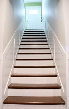 27 ideas diy stairs makeover railings house Stairs Makeover DIY House ideas Make.- 27 ideas diy stairs makeover railings house Stairs Makeover DIY House ideas Make… Painted Stairs, Wooden Stairs, Hardwood Stairs, Marble Stairs, Hardwood Floors, Basement Stairs, House Stairs, Basement Ideas, Basement Decorating