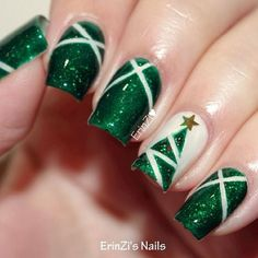 Are you looking for some cute nails desgin for this christmas but you are not sure what type of Christmas nail art to put on your nails, or how you can paint them on? These easy Christmas nail art designs will make you stand out this season. Christmas Tree Nail Art, Cute Christmas Nails, Xmas Nails, Holiday Nails, Red Nails, Christmas Decorations, Green Christmas, Simple Christmas, Christmas Trees