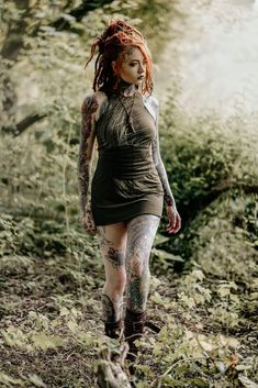 Hot Tattoo Girls, Tattoed Girls, Inked Girls, Punk Fashion, Gothic Fashion, Body Art Tattoos, Girl Tattoos, Pelo Rasta, Dreadlocks Girl
