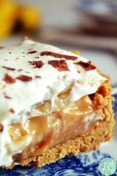 banofie it is! Greek Sweets, Greek Desserts, Greek Recipes, Fun Desserts, Dessert Recipes, Banoffee Cheesecake, Food Network Recipes, Food Processor Recipes, Low Calorie Cake
