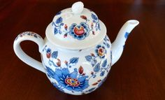 Estee Lauder 1979 Porcelain Teapot by SucresDaintyDish on Etsy, $35.00