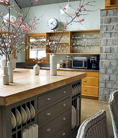 Kitchen countertop made of wood - set up the kitchen with natural materials