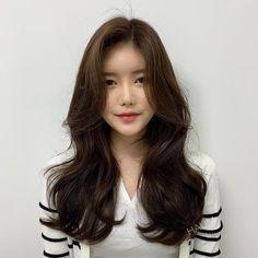 Curly Asian Hair, Korean Long Hair, Long Layered Hair, Long Hair Cuts, Permed Hairstyles, Pretty Hairstyles, Medium Hair Styles, Curly Hair Styles, Aesthetic Hair