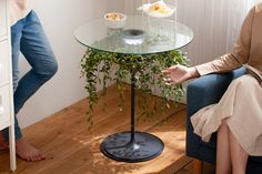 The Oasis - 'The Oasis' table is a multifunctional furniture piece for the home that provides a multifunctional design that will increase the overa. Multifunctional Furniture, Plant Lighting, Table Shelves, Planter Table, Yanko Design, Off The Wall, Plant Holders, Glass Table, Textured Walls