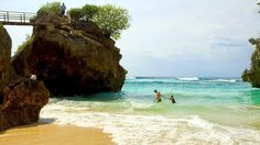 Bali Surf Guide:  Uluwatu Beach Uluwatu beach is a hidden gem, whic...