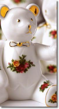 old country roses royal albert Rose Cottage, Cottage Chic, Country Rose, China Display, English Roses, China Patterns, Tea Sets, Royal Doulton, Royal Albert