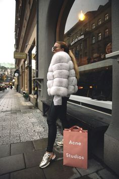 fall coats for women chic Winter Mode Outfits, Winter Fashion Outfits, Fur Fashion, Daily Fashion, Fashion Looks, Womens Fashion, Fashion Trends, Smart Casual Outfit, Casual Outfits