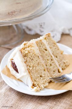 This maple cream cake recipe uses cake mix as a base to make a stunning yet simple cake! Topped with a rich cinnamon cream cheese frosting and spiced sugared pecans, this cake is a winner! Maple Walnut Cake Recipe, Maple Cake, Maple Pecan, Spice Cake Mix Recipes, Recipes Using Cake Mix, Spiced Pecans, Sugared Pecans, Cake Mix Cupcakes, Espresso Cake