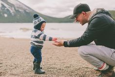 Unstructured play is critical for kids + their brain development—so set them free - Motherly Parenting Issues, Kids And Parenting, Parenting Ideas, Learning Through Play, Kids Learning, Early Learning, Effective Learning, Mindfulness For Kids, Preschool Classroom