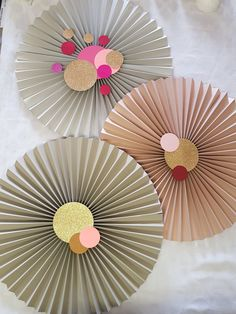 Paper fans with decorations... This template will soon be available on our new etsyshop Www.etsy.com/shop/ontrendideas Paper Fans, Home Appliances, Decorations, Etsy Shop, Templates, Party, House Appliances, Models, Fiesta Party