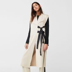 Look We Love: Sleeveless Jackets White Linen Dresses, Straight Trousers, Cotton Vest, Sleeveless Jacket, Lace Sweater, Fall Skirts, Simple Outfits, Minimalist Fashion, Spring Summer Fashion