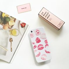 Just need one #kiss. Tap the link in our bio to shop this. #customize#phonefashion#style #phonecase