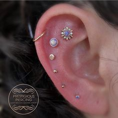 Sometimes, you just go all out and get your ear dripping in gold for your bday ✨ thank you to my sweet client Geraldi for having me do this piercing project for her birthday. Whole ear is rose gold by Leroi ✨It warms my heart when I get to be apart of Different Ear Piercings, Cute Ear Piercings, Multiple Ear Piercings, Tragus Piercings, Body Piercings, Cartilage Earrings, Piercing Tattoo, Tattoo Ink, Lip Piercing
