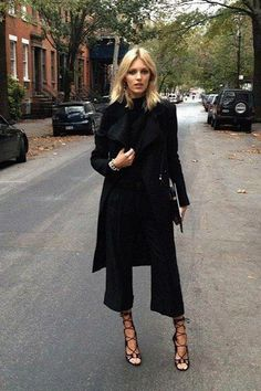 All black outfit / Street style fashion / fashion week week Looks Street Style, Looks Style, Style Me, Style Blog, Hair Style, Black Style, Mode Outfits, Office Outfits, Office Wear