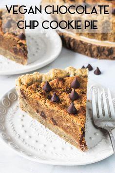Chocolate Chip Cookie Vegan Pie - Pies and Tacos Cookie Vegan, Vegan Pie, Raw Vegan, Gluten Free Treats, Vegan Treats, Vegan Dessert Recipes, Tart Recipes, Delicious Recipes, Tarte Vegan