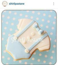 Baby Boy Cookies, Onesie Cookies, Baby Shower Cookies, Cute Cookies, Cupcake Cookies, No Bake Sugar Cookies, Royal Icing Cookies, Christening Cookies, Biscuit Decoration