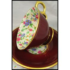Royal Winton Old Cottage chintz pattern with gold rims Vintage China, Vintage Tea, Fancy Tea Cups, Old Cottage, China Tea Sets, Tea Cozy, Teapots And Cups, Chocolate Cups, My Cup Of Tea