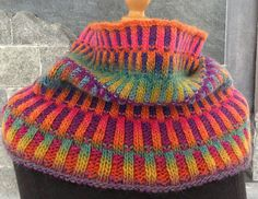 Ravelry: Project Gallery for Inspira Cowl pattern by graphica