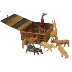 7 Wood Animals in a Banana Fiber Box – Evolve {An Eco-Chic Boutique}