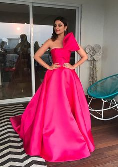 Parineeti Chopra | 39 Of The Best-Dressed Celebrities At The 2017 Filmfare Awards