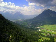 Loisachtal - Wetterstein - Estergebirge  http://www.holidaycheck.de/data/urlaubsbilder/images/41/1156561364.jpg