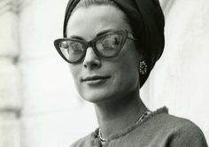Glamorous: Six years after the wedding, Grace Kelly (pictured at the Princely Palace of Monaco in looks every inch the star in a head scarf and fashionable spectacles Moda Grace Kelly, Grace Kelly Style, Mia Farrow, Cary Grant, Brigitte Bardot, Audrey Hepburn, Foto Fashion, Vogue, James Brown