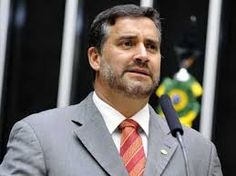 """IRAM DE OLIVEIRA - opinião: Deputado diz que """"Brasil está sendo governado por ..."""