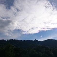 Blick auf die Felsenegg.   #Felsenegg #Adliswil #Sendeturm Clouds, Outdoor, Outdoors, Outdoor Games, Cloud