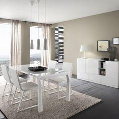 Design-Essgruppe-Julius-weiße-Polsterstühle-Holztisch-modern