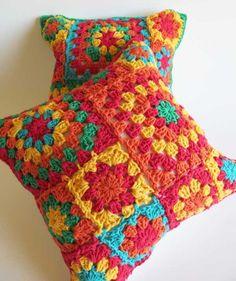Almohadones crochet * Lindo Cachivache * Feria Central