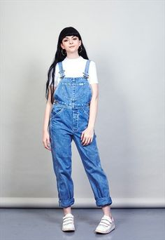 Dungarees Outfits, Denim Dungarees, Overalls Women, Vintage Denim, Jumpsuits For Women, Blue Denim, Fashion Beauty, My Style, Poetry