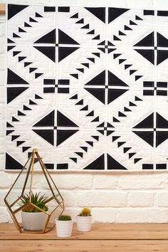 Black Diamond quilt by Angela Lackey.  Love Patchwork & Quilting issue 36.
