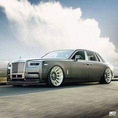 Widebody Phantom 💣 Photo design by Bentley Continental Gt Convertible, Royce Car, Rolls Royce Cullinan, Top Luxury Cars, Rolls Royce Phantom, Car Colors, Car Wheels, Future Car, Amazing Cars