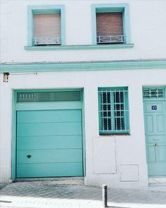 Así a pie de calle en Madrid. Open your doors!!!! #ebomlifestyle