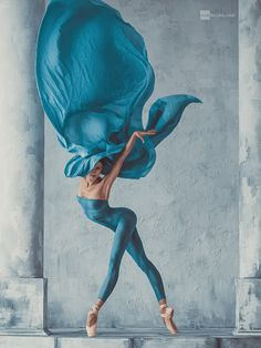 Art Fashion Ballet by Dan Hecho / Dance Photography Poses, Dance Poses, Ballet Art, Ballet Dancers, Ballet Body, Azul Niagara, Dance Movement, Dibujos Cute, Shall We Dance