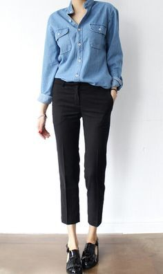 Denim long sleeves. Black pants. Black flats.