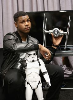 'Star Wars Episode 7: The Force Awakens' Star John Boyega Says Cast Is 'Going Crazy' Waiting For Film To Come Out