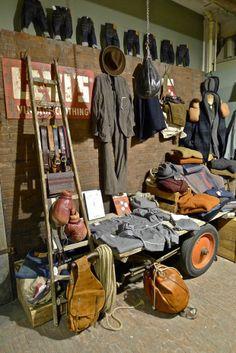 LEVI'S, boxing alley, pinned by Ton van der veer Store Displays, Shop Window Displays, Denim Display, Jeans Store, Clothing Displays, Haberdashery, Vintage Denim, Store Interiors, Visual Merchandising