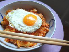 Aneta Goes Yummi: Najjednoduchšie využitia kimchi: kimchi ryža & kimchi rezance Kimchi Kimchi, Kimchi Rice, Eggs, Breakfast, Yum Yum, Food, Morning Coffee, Essen, Egg