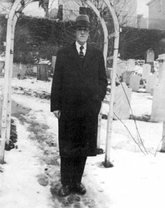 Lovecraft in St. John's Churchyard, Providence 1935.