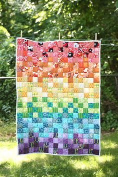 More rainbow quilt inspiration! Quilting Projects, Quilting Designs, Sewing Projects, Rainbow Nursery, Rainbow Baby, Quilt Baby, Rainbow Quilt, Rainbow Blocks, Scrappy Quilts