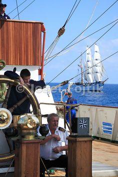 Helming of Sedov four masted sail training ship, Funchal 500 Race 2008, Atlantik Ocean
