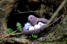 Crochet bird in nest