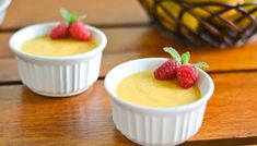 Mango pudding is my kid's favorite dessert. It's the usual choice when it is in the restaurant's menu. I like this recipe because it uses fresh mangoes Jelly Desserts, Köstliche Desserts, Delicious Desserts, Dessert Recipes, Yummy Food, Filipino Desserts, Filipino Dishes, Asian Desserts, Cannoli