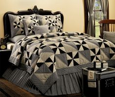 Our colorful and comfortable quilts and bedspreads bring new life to your bed, Shop copy and beautiful quilts, bedspreads, quilt sets and bedroom quilts. Star Bedding, Quilt Bedding, Amish Quilts, Easy Quilts, Quilt Sets, Quilt Blocks, Black And White Quilts, Black Quilt, Black White