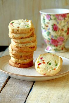 Finally ! My favorite Karachi Bakery ke tooti frooti biscuits recipe.. can't wait to try !!