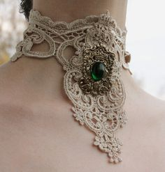 Steampunk choker Ivory venice victorian lacer collar with Emerald Royal Coat of Arms gothic necklace Moda Steampunk, Style Steampunk, Steampunk Wedding, Victorian Steampunk, Steampunk Clothing, Victorian Jewelry, Steampunk Fashion, Victorian Fashion, Victorian Lace