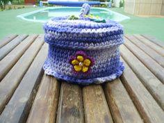 Feito em barbante mesclado. Em destaque: croche não endurecido, pode ser lavado. Cor disponível: azul. Ótima opção para presente. R$ 16,80
