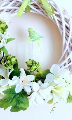 www.abgHomeArt.pl Spring wreath, Easter decorating ideas for the home, easter wreaths, inspiration, pretty flowers, kwiaty, wiosna, spring, wianek świąteczny